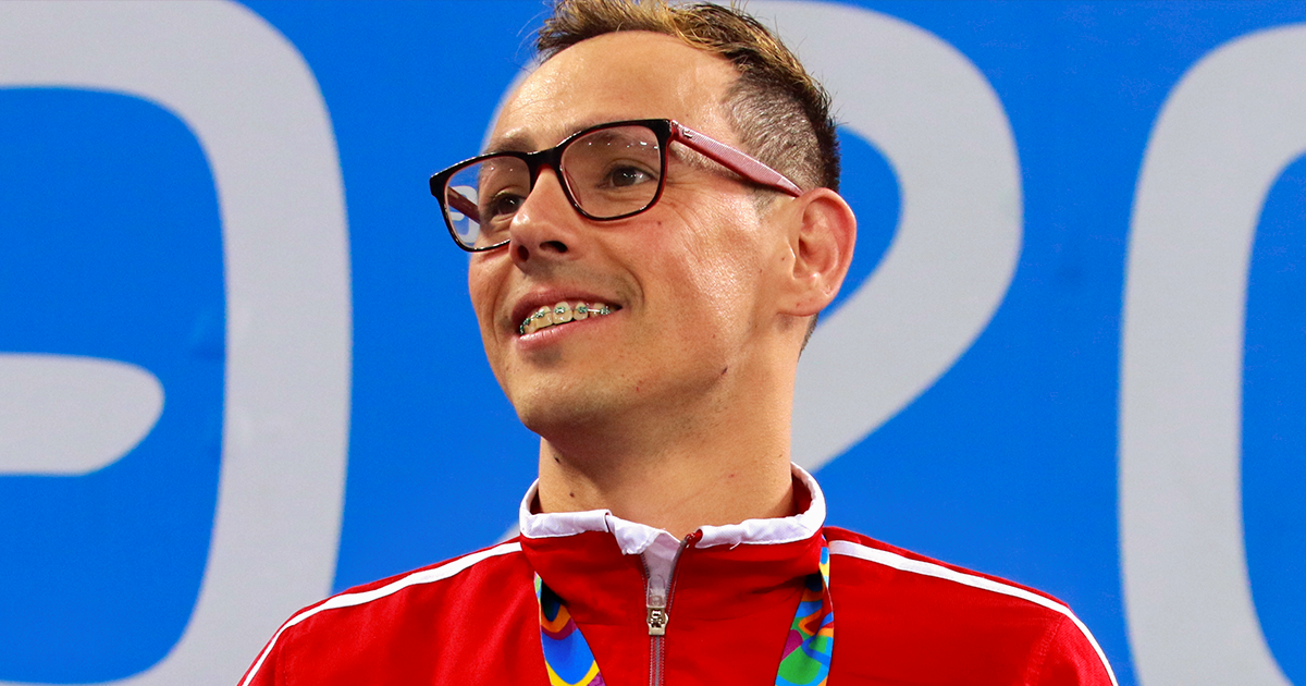 Alberto Abarza proudly shows his gold medal at Lima 2019