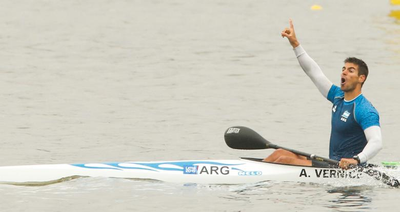 Agustín Vernice wins gold medal in canoe sprint