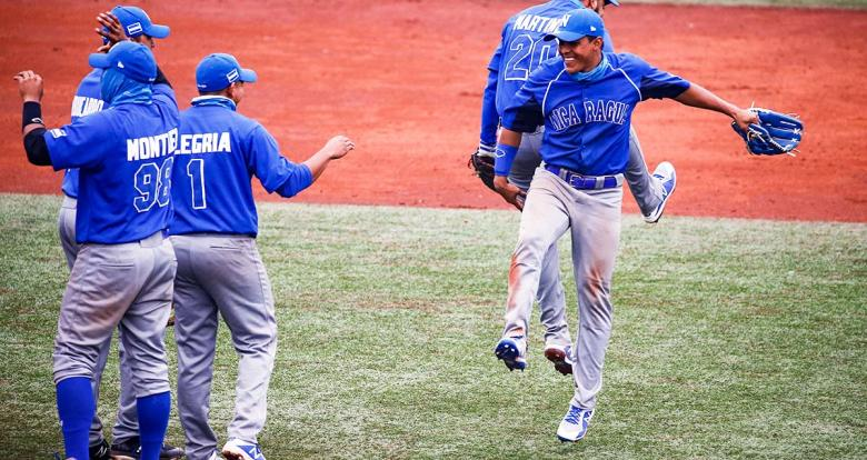 Nicaraguan baseball team celebrates its victory against Colombia at the Villa María del Triunfo Sports Center during the Lima 2019 Games
