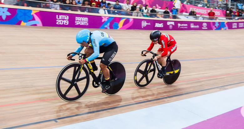 Mexico's Luz Gaxiola and Colombia's Martha Bayona competing at Lima 2019 cycling event at the National Sports Village – VIDENA.