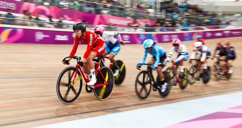 Riders from the Americas compete at the Lima 2019 women's Madison event at the National Sports Village – VIDENA.
