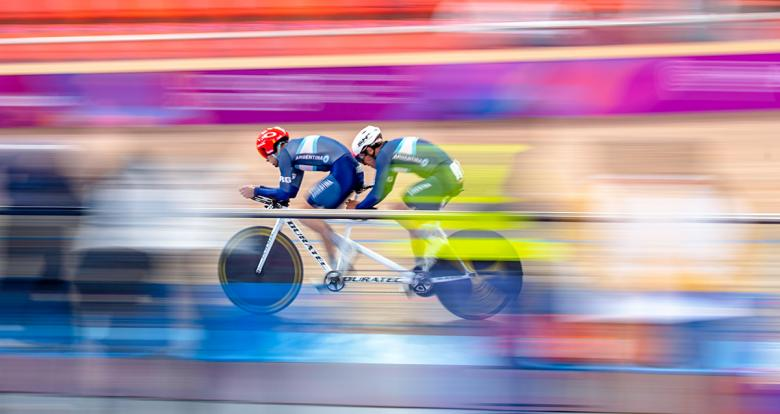 Para cyclists pair going at full speed at the Lima 2019 men's individual pursuit competition at the National Sports Village – VIDENA
