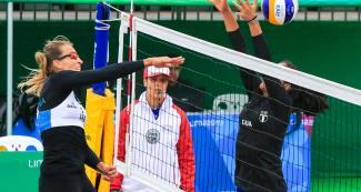 Ana María Gallay scores a point - Beach volleyball