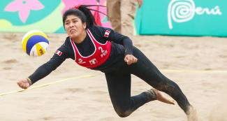 Let's go Peru! Debut match and victory against El Salvador- Beach volleyball