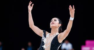 Eduarda Fuentes places third on the first day of the Women's Short Program