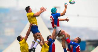 Men's Chile and Brazil teams in Rugby-sevens tournament