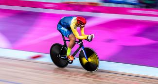 Brazilian Soelito Gohr competing in men's individual pursuit C4-5 competition at the National Sports Village – VIDENA, Lima 2019