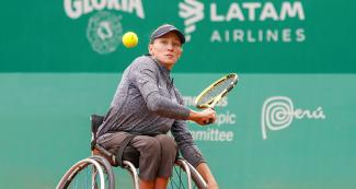 Emmy Kaiser from the USA competes against her compatriot Dana Mathewson in Lima 2019 wheelchair tennis event at the Club Lawn Tennis