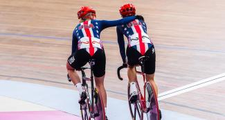 The American pair celebrates victory together after winning the women's Madison event in Lima 2019 at the National Sports Village – VIDENA.