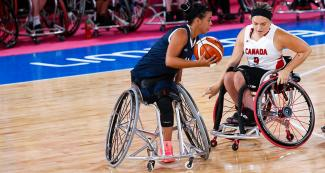 Gladys Gomez from Colombia vs. the Canadian wheelchair basketball team at the National Sports Village – VIDENA, Lima 2019