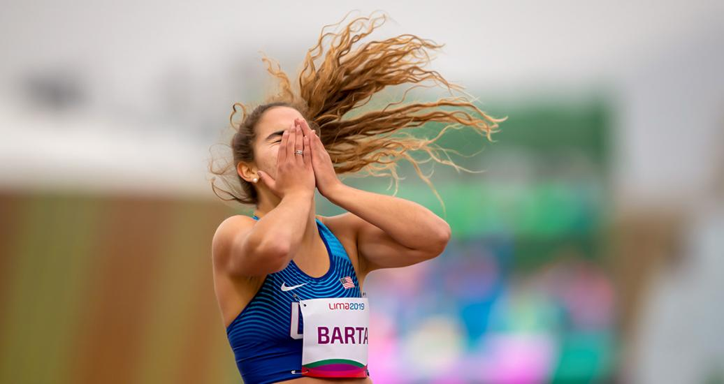 American Sydney Barta celebrates winning the gold in the women's 200m T64 at the National Sports Village – VIDENA at Lima 2019