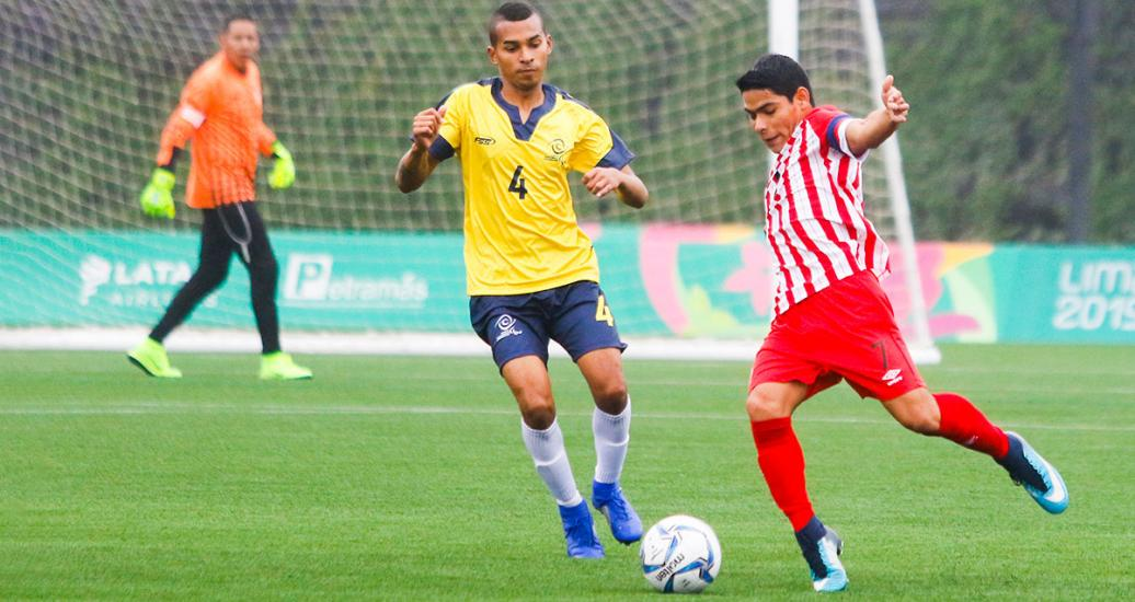 Peruvian Jose Diaz fights for the ball with Colombian Oscar Amaya in football 7-a-side at the Villa María del Triunfo Sports Center, at Lima 2019