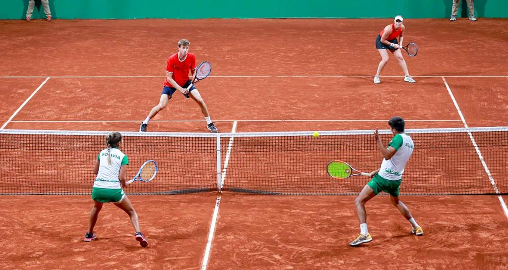 Bolivia and Chile faced off in mixed doubles at the Lawn Tennis Club.